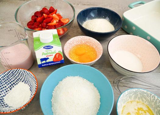 Jahodová bublanina s kokosem - příprava ingrediencí