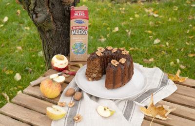 Ořechovo-jablečná bábovka