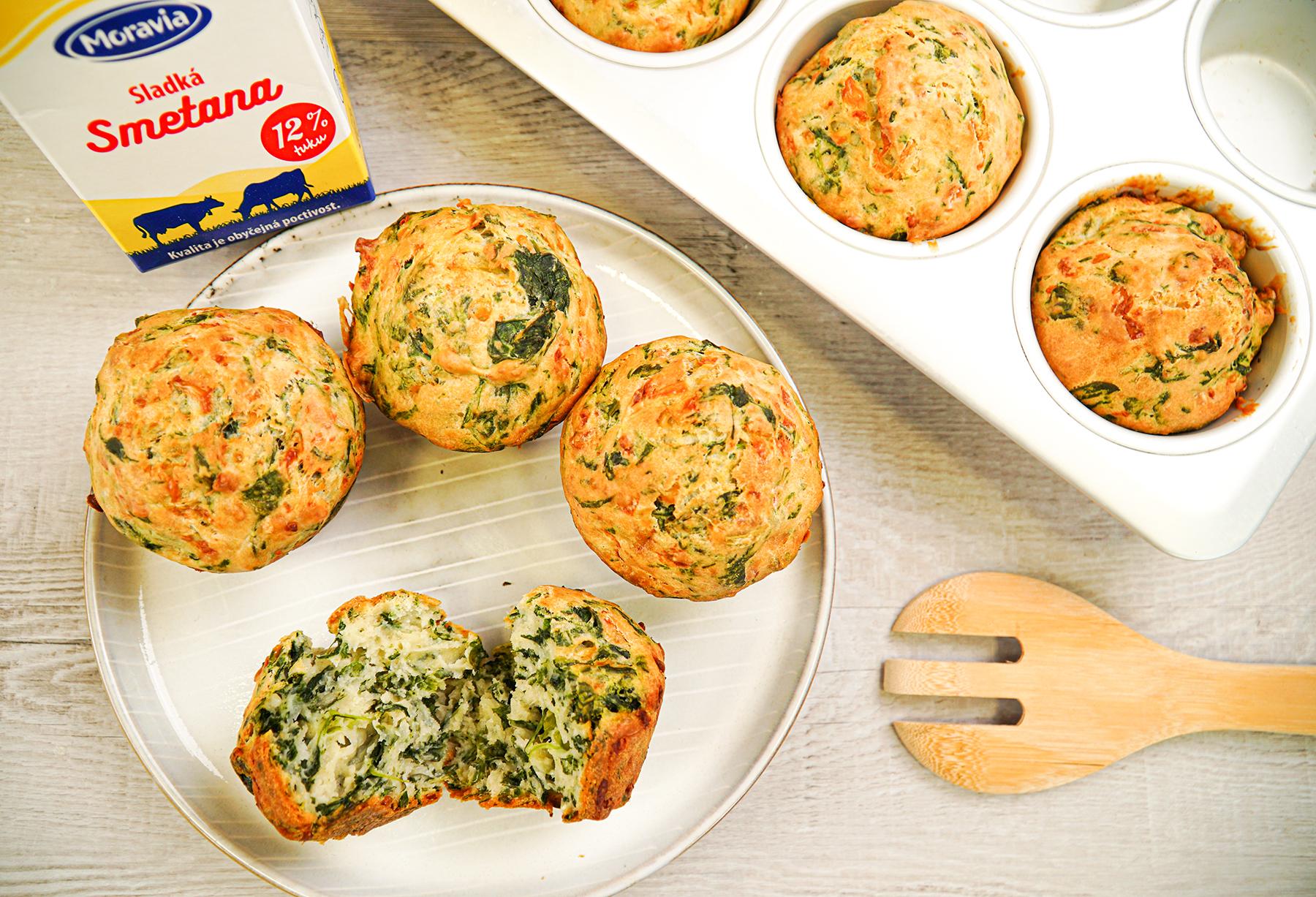 Špenátové muffiny se smetanou Moravia